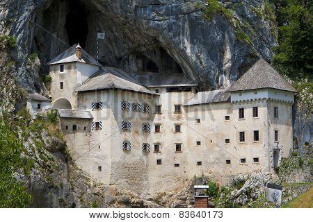 Castel Predjama