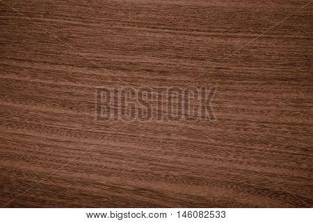 Una hermosa textura de madera cafe muy fina que puede er usada como fondo