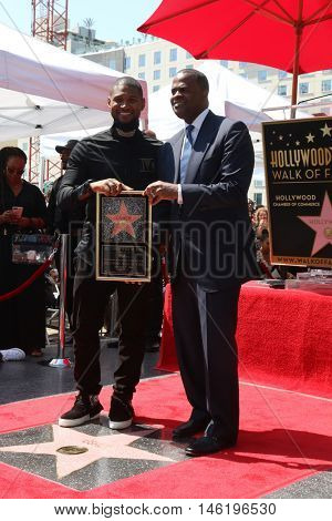 LOS ANGELES - SEP 7:  Usher Raymond, Kasim Reed (Mayor of Atlanta) at the Usher Honored With a Star On The Hollywood Walk Of Fame at the Eastown on September 7, 2016 in Los Angeles, CA
