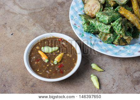 Thai food Shrimp paste sauce and acacia pennata omelette