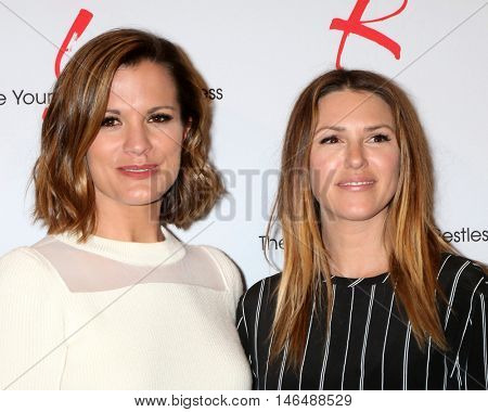 LOS ANGELES - SEP 8:  Melissa Claire Egan, Elizabeth Hendrickson at the Young and The Resltless 11,000 Show Celebration at the CBS Television City on September 8, 2016 in Los Angeles, CA