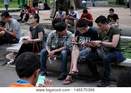Vietnamese Gamer Play Pokemon Go Game