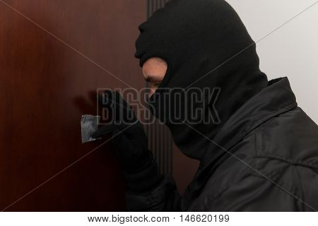 Thief In The Mask Covers Peep Hole