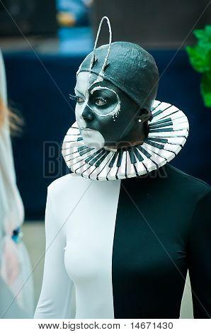 model in black/white on VIII Open Championship for creative makeup KOSMETIK international