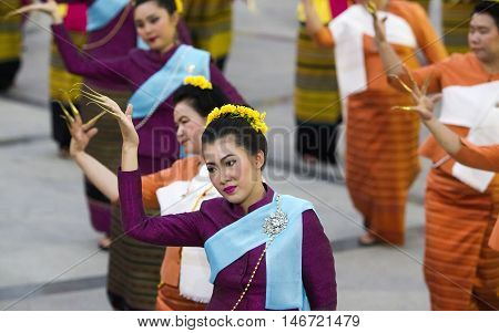 Chiang Mai, Thailand - April 11 ,2016 : Folk Dance And Contemporary Dance Chiang Mai 720Th Anniversa