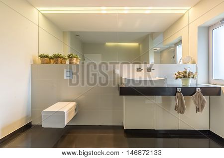 High Gloss Bathroom Idea