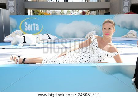 LOS ANGELES - JUN 19:  Anna Camp at the Serta Mattress Nationwide Instagram Sweepstakes Launch at the Hollywood and Highland on June 19, 2018 in Los Angeles, CA
