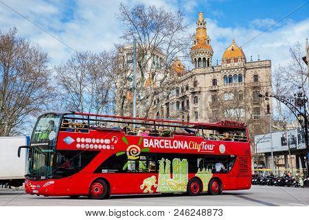 Barcelona - March, 2018: Touristic Hop-on Hop-off Bus At Gran Via De Les Corts In Barcelona