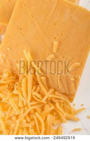 Irish Organic Red Cheddar Grated Cheese With Reduced Fat