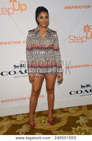 LOS ANGELES - JUN 01:  Regina Hall arrives to the Inspiration Awards Benefitting Step Up  on June 1, 2018 in Hollywood, CA