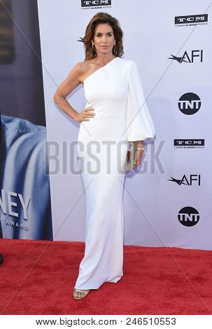 LOS ANGELES - JUN 07:  Cindy Crawford arrives for the AFI Lifetime Achievement Awards to George Clooney on June 07, 2018 in Hollywood, CA