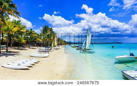 Tropical holidays and water sport activities in Mauritius island