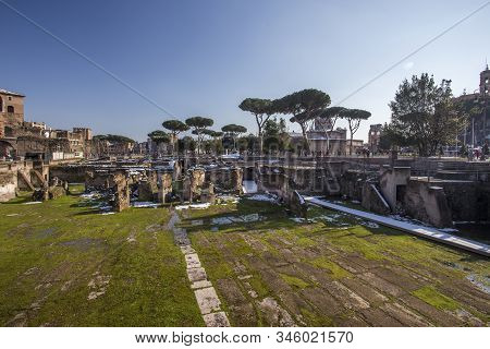 Rome, Italy, February 2018 - Snow Covered Rome, Winter Tourism In Capital City Of Italy, Famous Trav