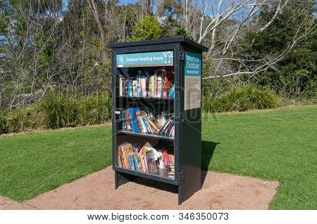 Wollongong, Australia - September 20, 2015: Outdoor Library Bookcase With Books In Wollongong Botani