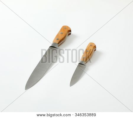Set of two sharp pointed tip kitchen knives (Utility knife and Paring knife)
