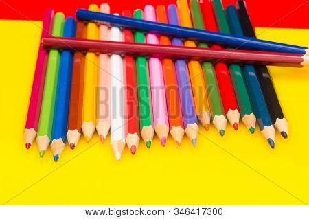 Colored Pencils, Color Gamut