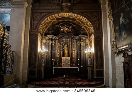 Bordeaux, France - September 9, 2018: Interior Of Eglise Notre Dame, Bordeaux, Gironde Department, F
