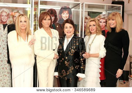 LOS ANGELES - JAN 18: Joan Van Ark, Michele Lee, Donelle Dadigan, Donna Mills, Leeza Gibbons at the Hollywood Museum for the 40th Anniversary of