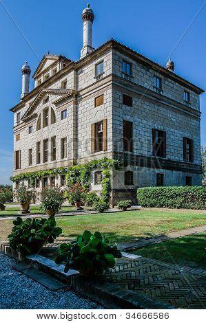 Ancient Villa Foscari La Malcontenta Garden  In Veneto, Northern Italy