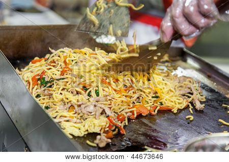 Cooking Japanese Noodles