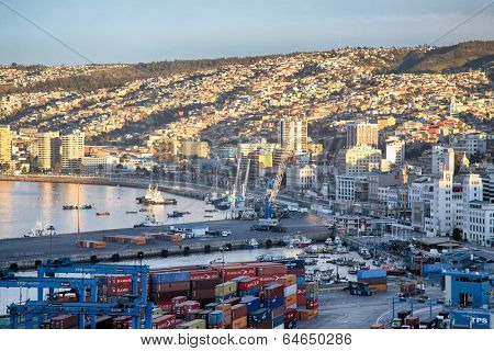 VALPARAISO, CHILE - AUGUST 9: View on the one of the chilean most important seaports on August 9, 2010 in Valparaiso, Chile