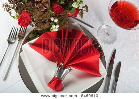 Festive Table In Red And White 5