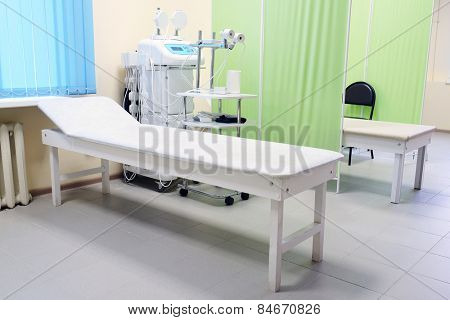The image of an empty treatment room