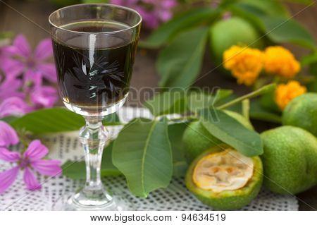 Walnut liqueur, alternative medicine