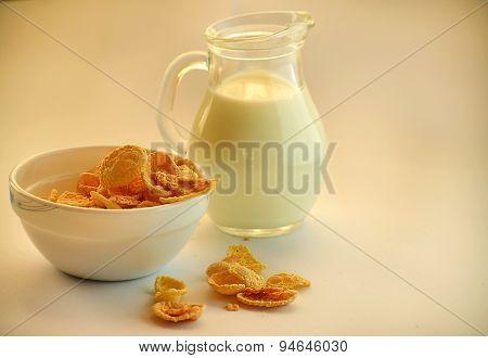 Corn flakes and milk
