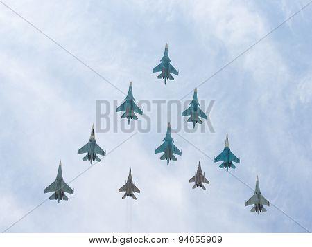 10 Mig-29 And Sukhoi Flying Pyramid
