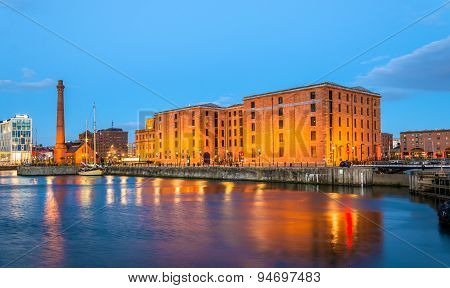 The Merseyside Maritime Museum And The Pumphouse In Liverpool - England