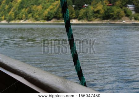 Green and black rope/This is a detail of green and black rope.