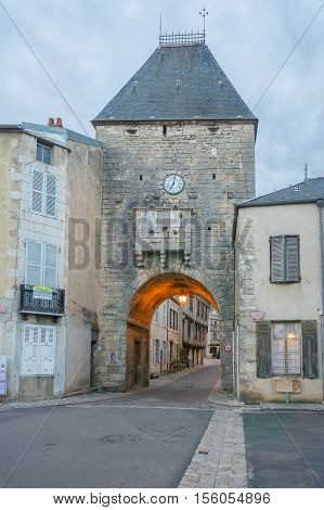 The Entry Gate (porte Davallon), Noyers-sur-serein