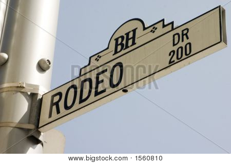 Rodeo Dr Street Sign