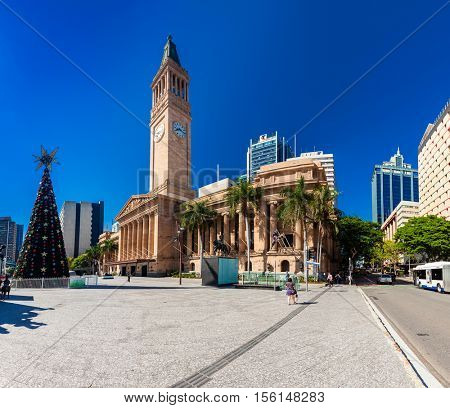 BRISBANE, AUS - Dec 11 2015: View of City Hall and King George Square in Brisbane with a Christmas tree.