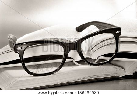 glasses symbolizing the concept of reading habit or studying