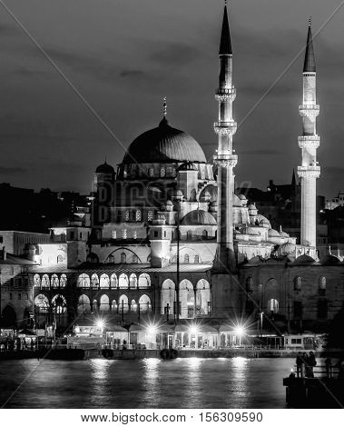 New Mosque (Yeni Cami) Istanbul Turkey. The Yeni Cami ; originally named the Valide Sultan Mosque and later New Valide Sultan Mosque after its partial reconstruction and completion between 1660 and 1665; is an Ottoman imperial mosque located in the Eminön