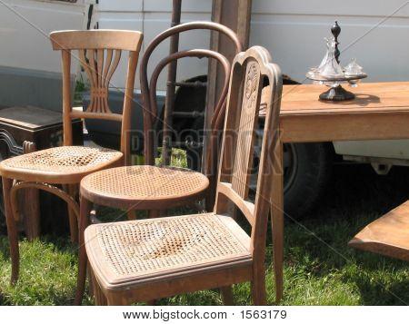 Винтажные деревянные стулья (блошиный рынок)
