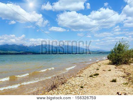 Liptovska Mara Sunshiny Lake