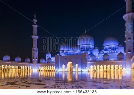 ABU DHABI, UAE - NOVEMBER 5, 2016 : Amazing Mosque. Sheikh Zayed Grand Mosque at sunset time (Abu-Dhabi UAE). Sheikh Zayed. Abu Dhabi