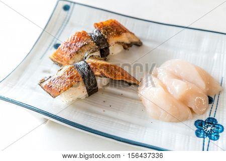 Unagi Sushi and fresh scallop hotate sashimi