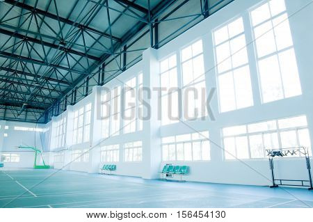 Small gymnasium fitness areas. Badminton and table tennis.