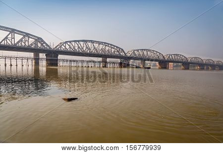 Bally bridge a multi span steel structure over the river Ganges (Hooghly). Also known as the Vivekananda Setu it connects the Howrah district with Kolkata.