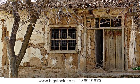 Abandoned house. There are not many memories anymore.