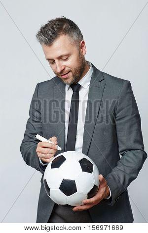 Autograph on ball