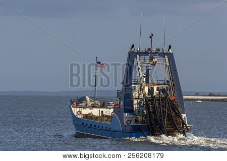 New Bedford, Massachusetts, Usa - August 31, 2018: Clammer Sea Watcher Ii In New Bedford Outer Harbo