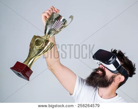 Championship Online. Feel Victory In Virtual Reality Games. Achieve Victory. Hipster Virtual Gamer G
