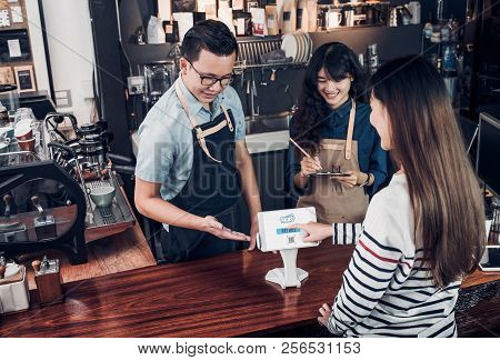 Customer Self Service Order Drink Menu With Tablet Screen And Pay Bill Online At Cafe Counter Bar,se