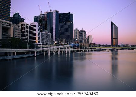 Brisbane, Australia - Saturday 18Th August, 2018: View Of Brisbane City And Skyscrapers At Night On