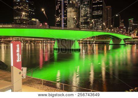 Brisbane, Australia - Sunday 19Th August, 2018: View Of Victoria Bridge And Brisbane City At Night F
